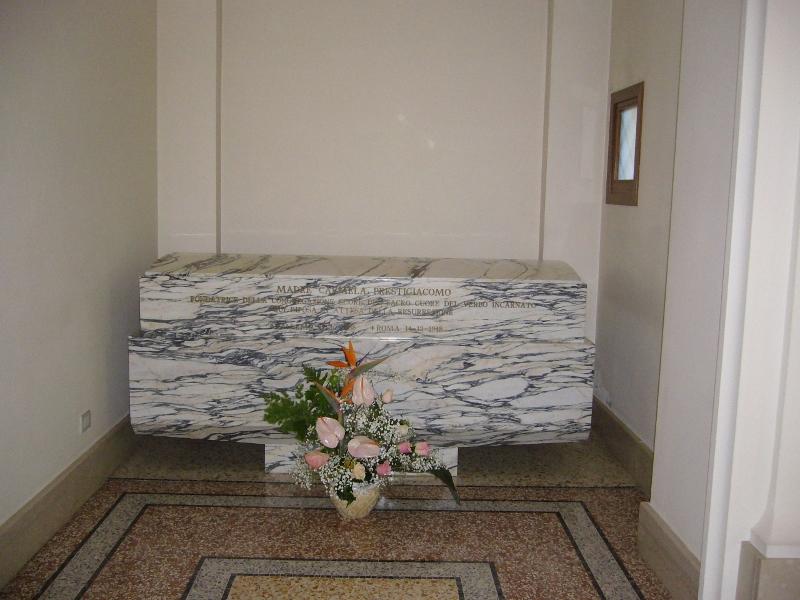 Tomba della Venerabile nella  Casa di Roma